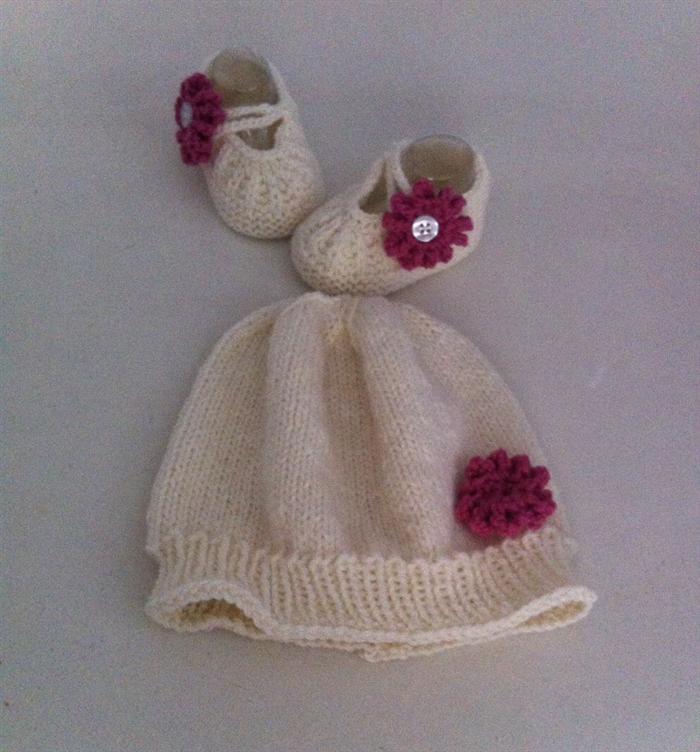 2df8aa5e2a3 Hand Knit Newborn
