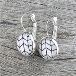 Glass dome hoop earrings - Black and white