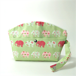 Wet Bag / Diaper clutch bag / Printed canvas with PUL waterproof lining