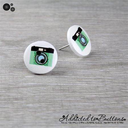 CAMERA  - Buttons - Button Stud Earrings - Green - Photograph