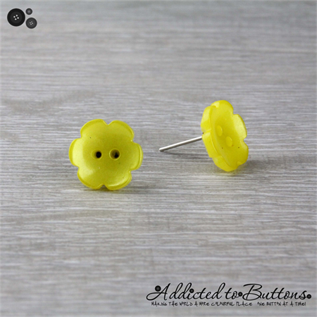 Yellow Daisy Flower - Pearl Effect - Button - Stud Earrings