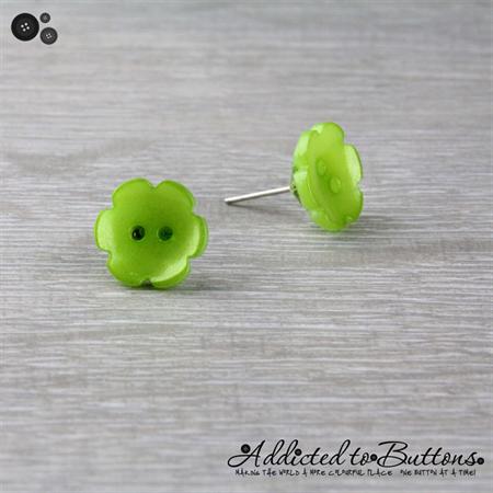 Green Daisy Flower - Pearl Effect - Button - Stud Earrings